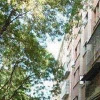 人民大学南墙外红5楼